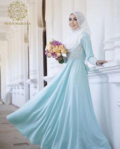 Diana Dress dari @mayamarissa.co tampil anggun dengan kelembuatan warna turqoise yang memukau, kombinasi material satin berkualiti tinggi dan eksklusif beralun cantik penuh dramatik. Sempurna dengan hiasan beads putih dengan perincian batu swarovski yang indah.  #mayamarissalaunch #lace #dresses #wedding #event #lace #couture #hautecouture #life #model #hijabista #tunang #longdress #beautiful #inspiration #inspired #malaywedding