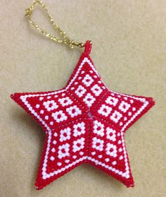 Scandi Style Diamonds Star Geometric Beading Pattern or Tutorial This is an intermediate to advanced pattern for those that know how to make a warped square and join them into a star. Perfect for your Scandi inspired Christmas! Make your own beautiful piece of art from 11/0 delicas.