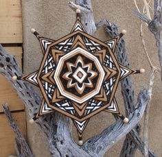 Honey Wheel 12 Ojo de Dios Yarn Mandala por HighDesertBohemian