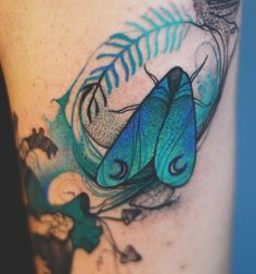 Elegant Animal Tattoos In Psychedelic Colors By A Polish Artist - Part 3 - tat - Badass Tattoos, Love Tattoos, Beautiful Tattoos, Body Art Tattoos, Tatoos, Insect Tattoo, Moth Tattoo, Tattoo You, Psychedelic Colors