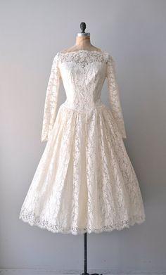vintage 1950s Water Lily lace dress    #vintagewedding #vintagedress #1950s #partydress #dress #vintage #retro #elegant #petticoat #romantic #classic #feminine #fashion #lace #bridal #wedding