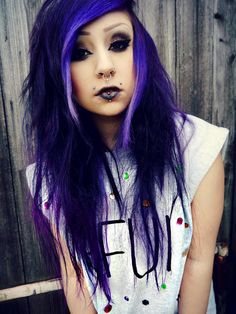 Her hair, her -shirt,... HER STYLE! ;33 I love...