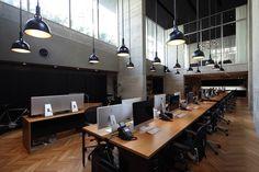 「SIMONE INC.」 所在地:東京都渋谷区恵比寿西1-30-10 開設:2014年3月 設計:cafe co. 森井良幸 小坂井裕司 床面積:480㎡(B1F/230㎡、1F/250㎡) Photo:髙山幸三