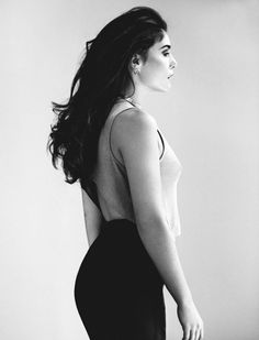 singer, british and jessie ware image on We Heart It Jessie Ware, Gorgeous Women, Beautiful People, Lg G5, Girls Dream, Every Woman, My Music, Curves, Feminine