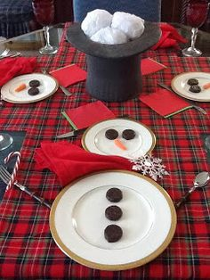 Snowman table setting. Repinned by www.mygrowingtraditions.com