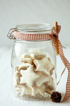 German Cinnamon Star Christmas Cookies in an adorable jar. (#glutenfree & #grainfree)  #christmascookies