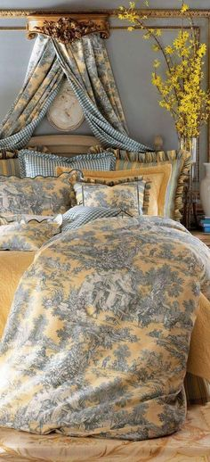 French toile bedroom ~ - Home Decor My French Country Home, French Country Bedrooms, French Cottage, French Country Fabric, French Country Bedding, Bedroom Country, French Decor, French Country Decorating, French Bedroom Decor