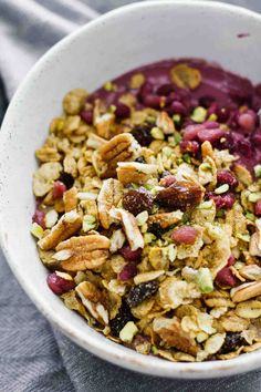 5-Minute Fall Acai Bowls! Vegetarian, healthy, and SUPER easy to make!