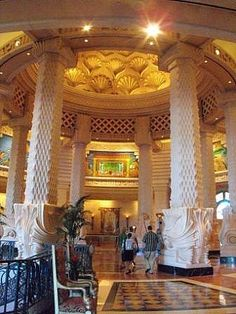 Take A Picture In The Massive Atlantis Chair In The Bahamas Must - Drinking age in bahamas