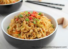 Curry and Comfort: Lo Mein Noodles with Ground Pork