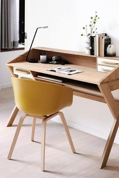 The Oak Origami Desk from Ethnicraft will encourage creativity throughout your day. This unique piece makes a statement with its interesting midcentury lines and elegant oak. Five drawers and open cubby will keep you organized and productive throughout the day. Modern Home Offices, Modern Office Design, Modern Desk, Black Desk, Cubbies, Store Design, Solid Oak, Service Design, Office Desk