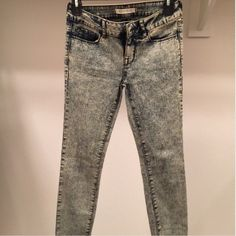 Bullhead Skinny Jeans Bullhead jegging acid wash style pants purchased from Pacsun! Great condition! Only worn once. Selling because no longer fit. Size 1 stretch. Bullhead Pants Skinny