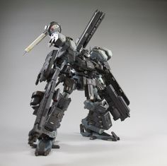 Kotobukiya Crest heavy combat type Black Rain [AC] by 507 Battle Robots, Cyberpunk Rpg, Armored Core, Mecha Suit, Robot Technology, Cool Robots, Lego Mecha, Robot Design, Medieval Armor