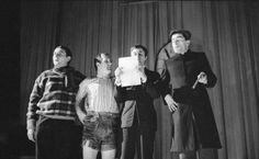 Das 2. literarische cabaret der Wiener Gruppe. Gerhard Rühm, Friedrich Achleitner, Konrad Bayer und Oswald Wiener. Wien. Photographie. 1959 Gerhard Rühm, Friedrich, Cabaret, Che Guevara, Concert, Photography, Group, Concerts