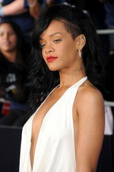 Rihanna with long black hair at the Battleship premiere #battleship #rihanna #hair #fashion