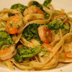 linguine with shrimp + broccoli recipe on LaurenConrad.com
