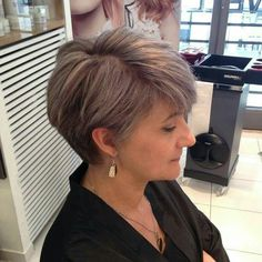 Naturalizer  Instagram.com/joelhaircolorsalon #hair #haircolor #hairstyle #parrucchiere #capelli #blogger #fashion #grayhair