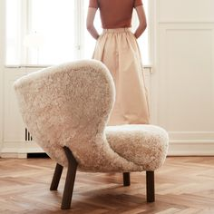 The long, dark days are upon us and Covid lockdowns are forcing us all to hunker down at home once again. Get cozy with a Little Petra VB1 Lounge Chair in sheepskin and receive a free pouf! Brand: &Tradition Designer: Viggo Boesen #andtradition #littlepetra #sheepskin #hunkerdownathome #getcozy #hygge #pouf #danishdesign Danish Design Store, Danish Furniture, Bedroom Chair, Cabinet Makers, Getting Cozy, Signature Design, Danish Modern, Petra, Home Interior Design