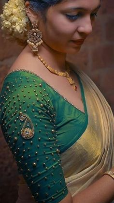Kerala Saree Blouse Designs, Wedding Saree Blouse Designs, Saree Blouse Neck Designs, Simple Blouse Designs, Stylish Blouse Design, Lany, Kerala Wedding Saree, Wedding Sarees, Anarkali Patterns