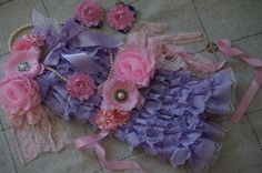 He encontrado este interesante anuncio de Etsy en https://www.etsy.com/es/listing/163121668/lavender-romper-lavender-and-pink-romper