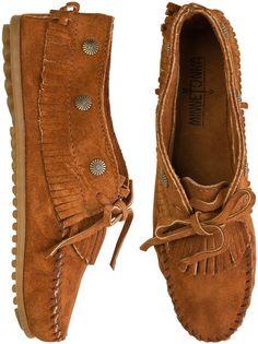 Minnetonka fringed moccasins http://www.swell.com/Womens-View-All-Footwear/MINNETONKA-FRINGED-MOCCASIN?cs=BR