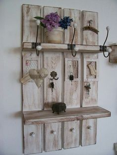 Our designed * Shabby Sweden wardrobe * is the most beautiful .- Our designed * Shabby Sweden wardrobe * is the most beautiful and space-saving… - I. Pallet Crafts, Diy Pallet Projects, Home Projects, Decoration Hall, Decoration Palette, Reclaimed Wood Kitchen, Pallet Shelves, Recycled Pallets, Home And Deco