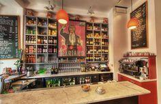 Vols pas chers vers France. Luis Mariano, Bar A Vin, St Sebastian, Biarritz, Basque Country, France Europe, Roadtrip, Restaurants, Restaurant Bar