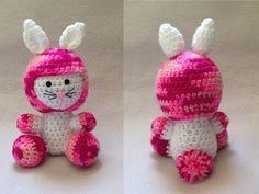 Coelhinho amigurumi - Páscoa - parte 2 - YouTube Youtube, Crochet Hats, Christmas Ornaments, Holiday Decor, Character, Crochet Dolls, Carpet, Bunny Rabbit, Flowers