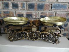 Antique kitchen scales with brass scoop - Made in 1928 farm shop kitchen pub