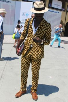african fashion trends really are stunning Image# 3985 African Inspired Fashion, African Print Fashion, Fashion Prints, Fashion Design, Ankara Fashion, Fashion Styles, Kitenge, Suit Fashion, Mens Fashion