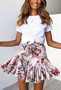 Shop the Plumella Skirt online now > www. Spring Outfits, www. Shop the Plumella Skirt online now > www. Mode Outfits, Trendy Outfits, Fashion Outfits, Fashion Trends, Fashion Ideas, Chic Outfits, Spring Summer Fashion, Spring Outfits, Summer Skirt Outfits