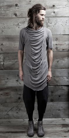 Check out the Spring/Summer 2012 collection from New York menswear line InAisce. Founded in InAisce is designed for everyday. Dark Fashion, Love Fashion, High Fashion, Mens Fashion, Fashion Design, Post Apocalyptic Fashion, Visual Kei, Hommes Sexy, Future Fashion