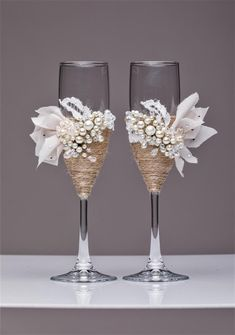 wedding colors Personalized Wedding glasses and Cake Server Set cake cutter rustic wedding toasting flutes rustic wedding flutes and cake rustic set of 4 Country Wedding Cakes, Wedding Cake Rustic, Chic Wedding, Trendy Wedding, Wedding Set, Decor Wedding, Wedding Decorations, Garden Wedding, Wedding Ideas