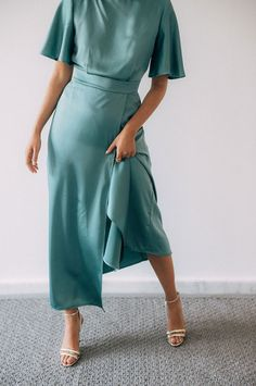 Dresses To Wear To A Wedding, Bridesmaid Dresses, Prom Dresses, Stylish Dresses, Stylish Outfits, Cute Outfits, Vogue Wedding, Outfit Trends, Slow Fashion