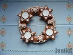 Adventní věnec. Advent Wreath, Biscotti, Christmas Cookies, Gingerbread, Candle Holders, Candles, Baking, Gifts, Food