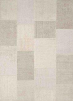 Exclusieve pastel patchwork in #hennep: De patchwork #tapijten uit collectie D zijn wellicht op het eerste gezicht een vreemde eend in de bijt. Alle tapijten in deze serie zijn namelijk uitgevoerd in 100% hennep. Hennep is een plantaardig materiaal wat zeer sterk is en zich eenvoudig laat bewerken tot de mooiste tapijten.