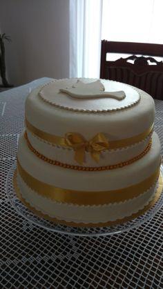 Złoty tort komunijny . Autor - Słodka Sosnowa Cake, Desserts, Tailgate Desserts, Deserts, Kuchen, Postres, Dessert, Torte, Cookies