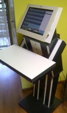 Suport monitor+pc+tastatura la doar 990 LEI.