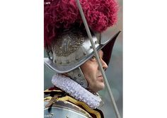 #PopeFrancis appoints Lt. Col. Christoph Graf new Swiss Guard commander | Vatican Radio