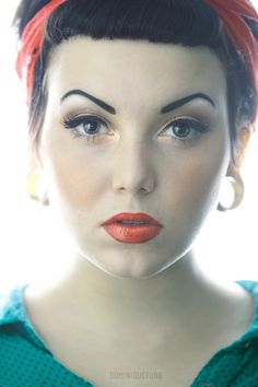 Coral lips and wing tips! :: Winged eyeliner:: Retro Makeup:: Pin Up Makeup:: Rockabilly Inspiration