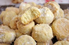 """Это просто БОМБА!  Я ела много разного печенья, и тающего, и рассыпчатого...  Но ЭТО """"переплюнуло"""" всех!   Автор  его точно описал:... Brownie Cupcakes, Food Shows, Russian Recipes, Muffins, Chocolate Desserts, Cookie Bars, Pretzel Bites, Macarons, Food To Make"""