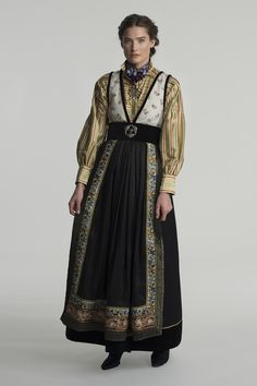 Medieval Costume, Folk Costume, Norwegian Style, Period Outfit, Cool Outfits, Fashion Outfits, Character Outfits, Historical Clothing, Costume Design