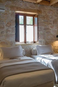 💤 Rooms with COCO MAT mattresses for extreme comfort & relaxation to the max. Guest Bed, Faux Stone, Ceiling Beams, Double Beds, Mattresses, Open Plan, Modern Luxury, Relax, Rooms