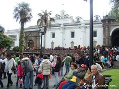 Plaza Grande in Old Town Quito, Ecuador. Quito Ecuador, Travel Tags, Ancient Ruins, Plaza, Bolivia, Old Town, Alter, Peru, Places Ive Been