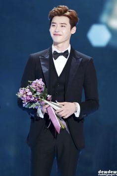 [ 31.12.2014] Lee Jong Suk @ SBS Drama Awards 2014
