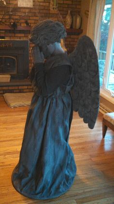 Weeping angel costume  Dr. Who