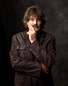 Burton Cummings, lead singer of the Guess Who. Hails from Winnipeg, Manitoba. Met him many times before he was rich and famous. Clap For The Wolfman, Burton Cummings, Mack The Knife, The Guess Who, City Winery, O Canada, Concert Tickets, Music Bands, Rock Music
