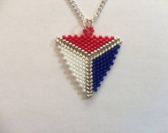 TUTORIAL Peyote Triangle Two-sides - Beading tutorial, Beading pattern, peyote stitch, triangle peyote stitch, Diy Jewelry, Beaded Jewelry, Jewelry Making, Peyote Patterns, Beading Patterns, Peyote Stitch, Loom Beading, How To Make Beads, Bracelets