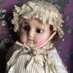 Cire-du-XIXe-siecle-sur-papier-mache-paille-rempli-doll-antique-doll-poupee-victorienne
