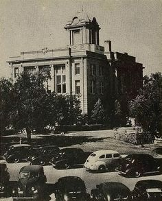 Snyder Court House in 1949.